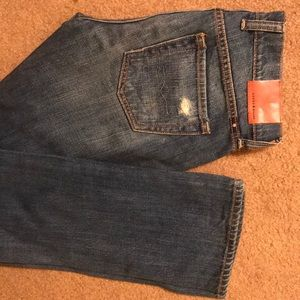 NEW w/out tags! Lucky brand/ distressed jeans-SZ24